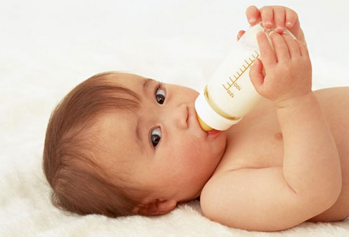 婴儿长奶瓶齿是何原因 奶瓶齿要及时治疗_拓诊卫生资讯