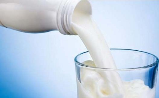 老人喝牛奶的几个问题要了解