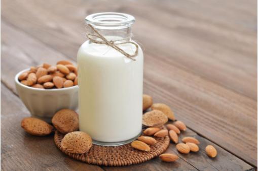 经常喝牛奶的人皮肤更好吗?