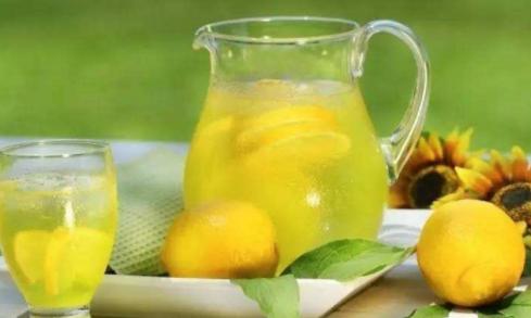 学乔妹狂喝柠檬水?小心变斑马!