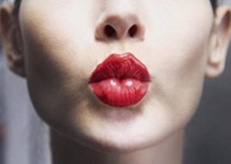唇部保养的简单四法则_拓诊卫生资讯