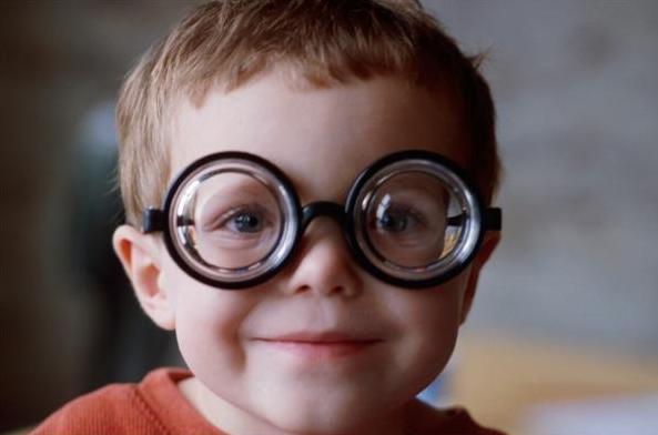 预防近视黑科技!可进行视力调节训练的台灯正式问世,获国家医疗器械注册证书