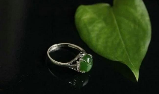 心理学:四个玉戒指,哪个最值钱?测出你能不能大富大贵?