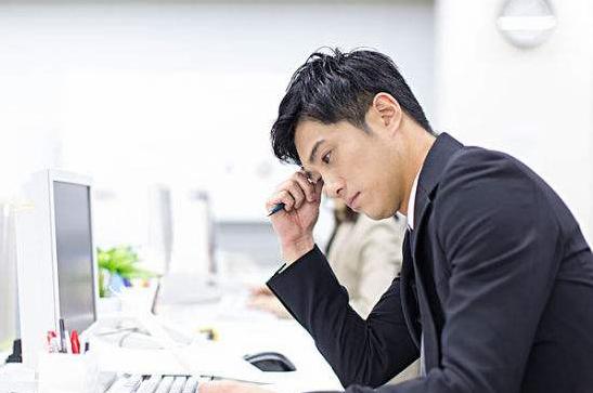 男性日常生活压力大,健康喝水来减压_拓诊卫生资讯