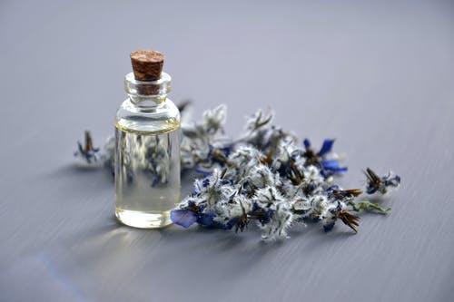 精油养生药浴之芳香精油的功效