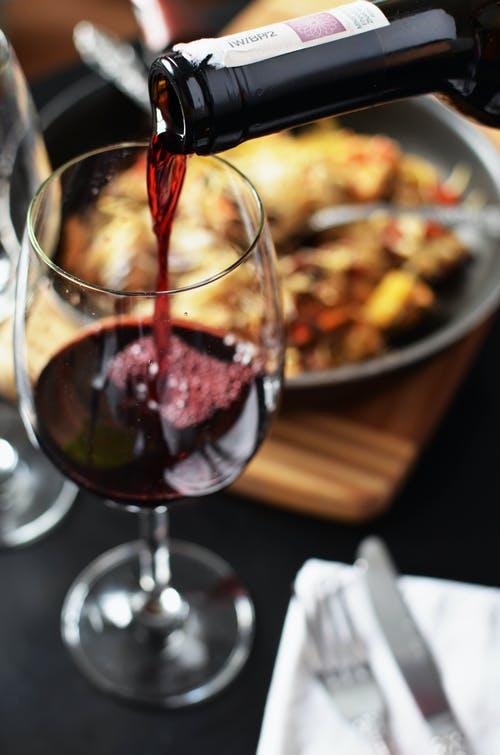 红酒有助降低老年痴呆症
