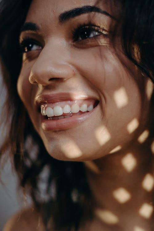 比洗牙有效,简单6招牙齿由黄变白