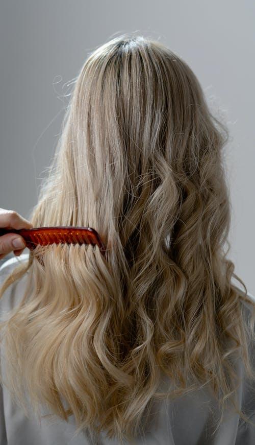 洗头的3个习惯,会让头发越来越油,