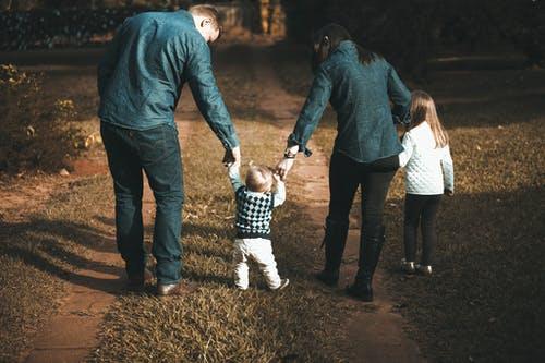 家长如何正确教育孩子,  家庭教育孩子的十大方法
